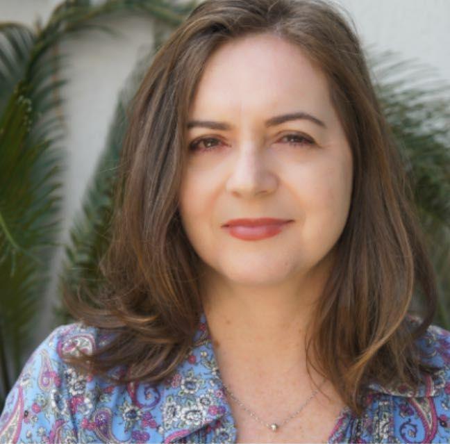 Psicóloga - Lia Finn - Integralis - Clínica de Saúde
